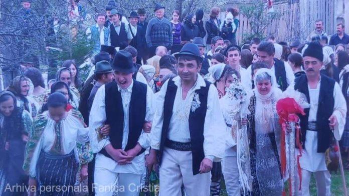 MESERII UITATE Vrancea: Fănică Cristia, ultimul colăcar din Păuleşti, deplânge pierderea tradiţiilor de la nunţi