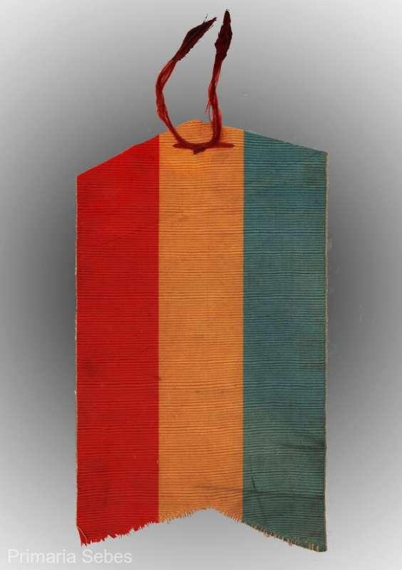 Alba: Eşarfă dintr-un drapel de luptă folosit la asediul Griviţei, expusă la muzeul din Sebeş